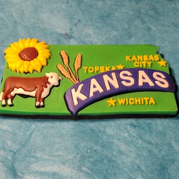 Beautiful Vintage Kansas State magnet